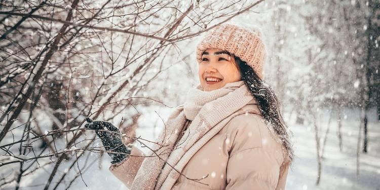 abbigliamento freddo-tima-ilyasov-iwwyHMr-ptA-unsplash