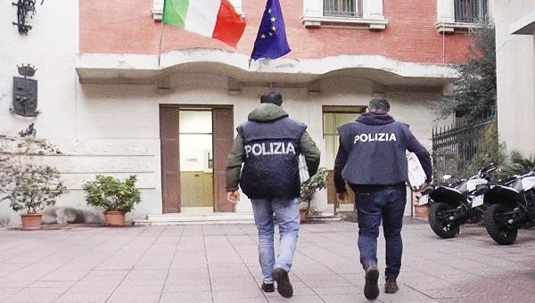 Con gli arresti la Polizia di Stato di Messina ha messo fine alla traversia di un imprenditore