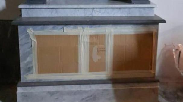 Altare marmoreo