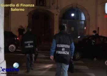 Salerno, arrestato in flagranza di reato di concussione per induzione