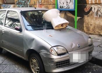 wc bagni su auto parcheggiatori abusivi