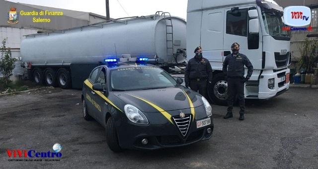 Salerno, sequestrata autocisterna con gasolio sottratto alle imposte