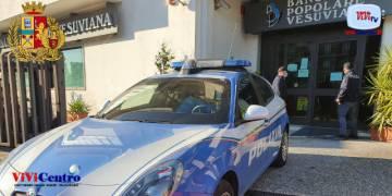 Tre rapinatori fanno irruzione in una banca di Nola