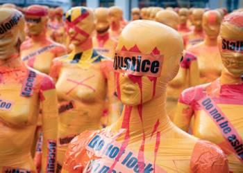 vespa rosa violenza donne mika-baumeister-MvNahx-yrqY-unsplash