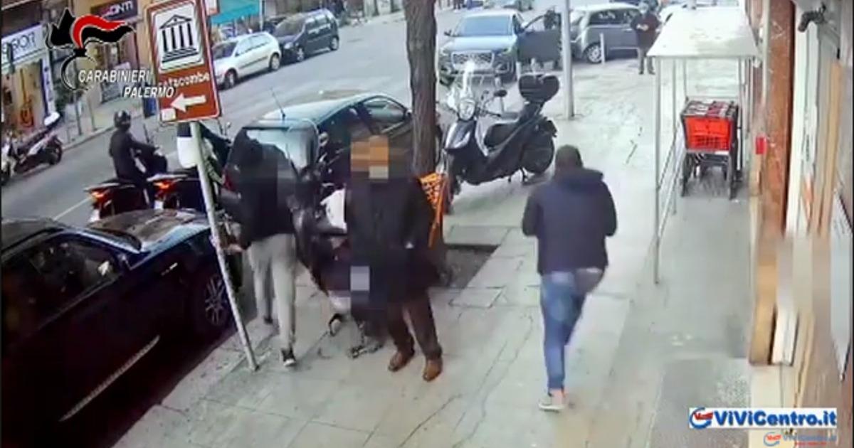 Brigadiere dei CC di Palermo affronta 4 rapinatori di un supermercato