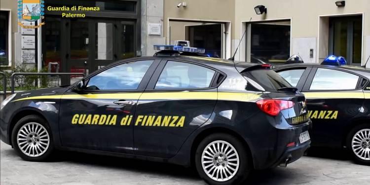 Bloccati dalla GdF di Palermo e l'Ufficio delle dogane al porto di Palermo tre tunisini