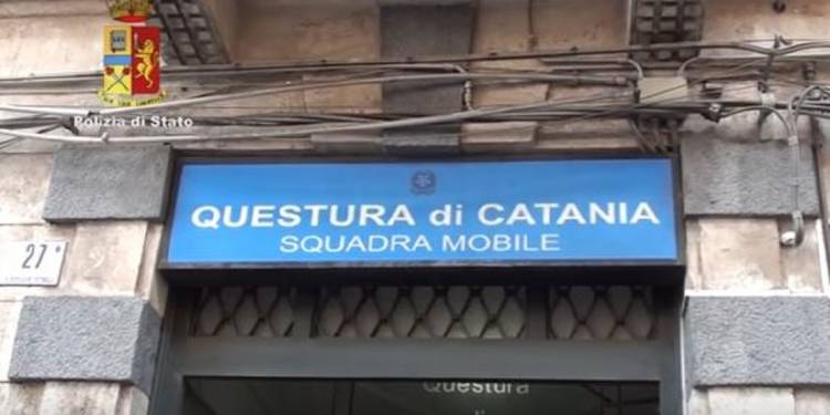 La Squadra mobile di Catania in tre operazioni diverse ha sequestrato cocaina e marijuana