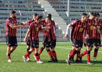 Esultanza del Sorrento dopo il primo gol contro il Casarano