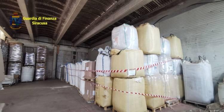 Sequestrate dalla GdF di Siracusa 70 tonnellate di pellet con marchi contraffatti