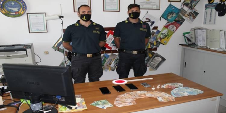 La Tenenza della GdF di Lampedusa ha arrestato 2 giovani spacciatori di cocaina