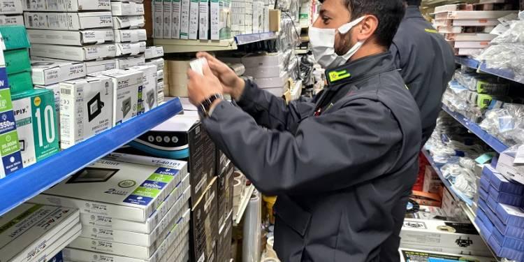 La GdF di Palermo ha sequestrato oltre 39 mila prodotti sprovvisti del marchio CE