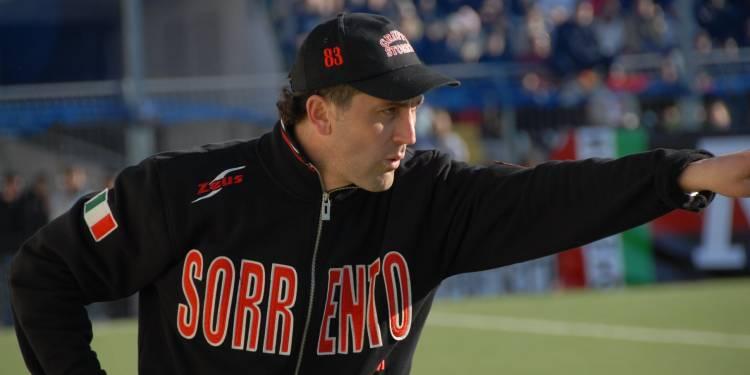 Renato Cioffi sulla panchina del Sorrento