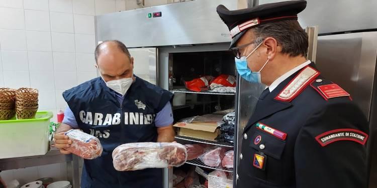 I CC di Partinico (PA) durante i controlli hanno sanzionato due ristoranti