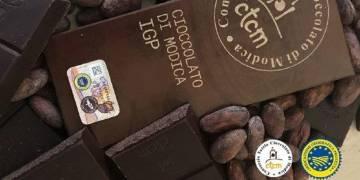 """Sequestrate dalla GdF di Modica oltre 20.000 confezioni di falso """"Cioccolato di Modica"""""""