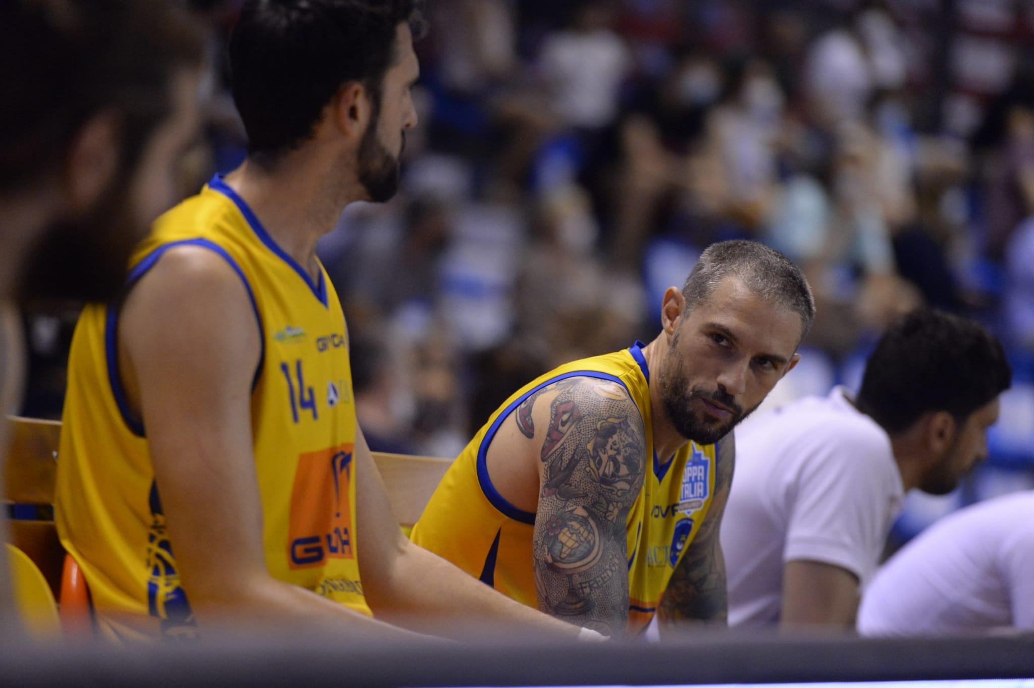 Tommaso Marino in panchina contro Udine