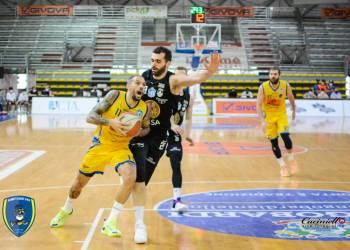 Tommaso Marino in azione contro Udine