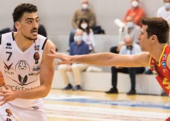 Lorenzo Ambrosin in azione contro Orasì Ravenna