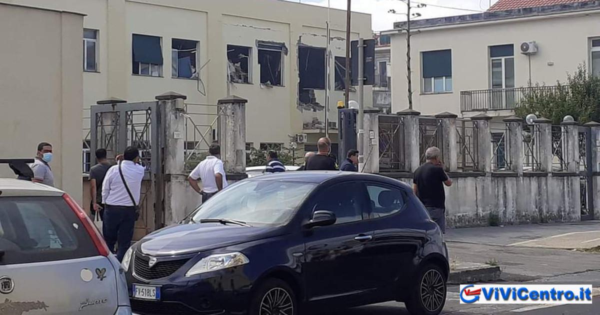 Scoppio improvviso nel Commissariato di Polizia in corso De Gasperi a Castellammare