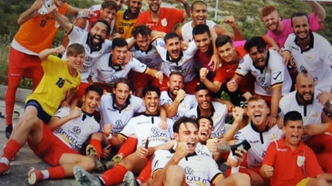 L'Acr Messina promosso in serie C. Battuto 3-1 il Sant'Agata.