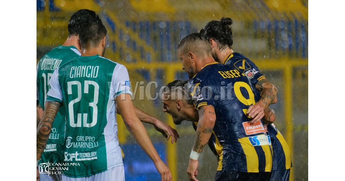 12 Juve Stabia Avellino Serie C 2021-2022 EUSEPI